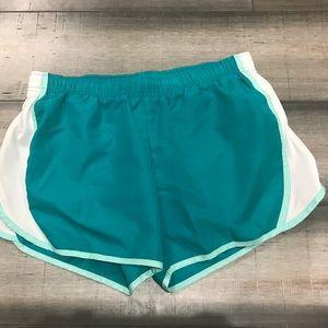 ✨✨Women's Athletics Brand Size Large Shorts EUC!✨✨